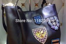 brand-with-badges..
