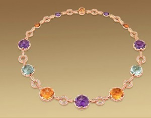The necklaces with precious stones world's most beautiful