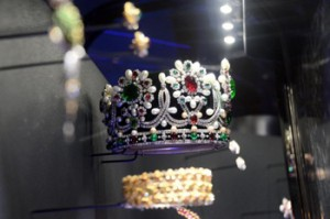 Van Cleef & Arpels, the art of fine jewelry show in Paris