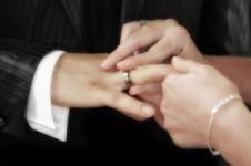wedding-ceremony-ring-exchange-pixabay-e1424966886474